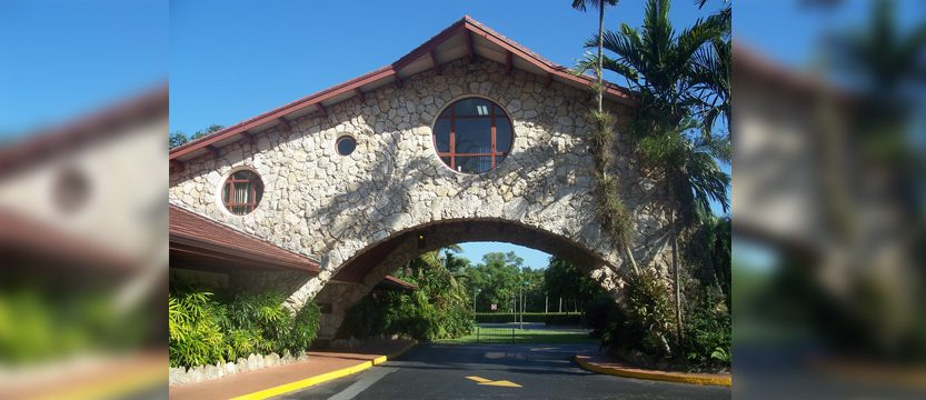 Private, Gated Communities in Pinecrest FL